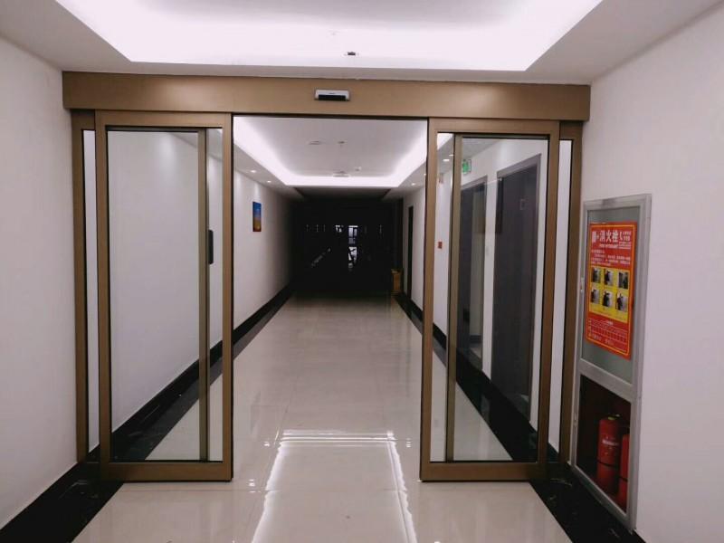走廊自动门