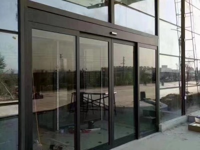褐色自动门,黑色铝合金型材自动门