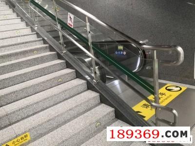 车站护栏,地铁站玻璃护栏,郑州同创护栏厂
