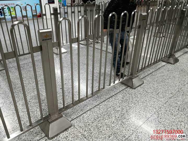 不锈钢弧形护栏