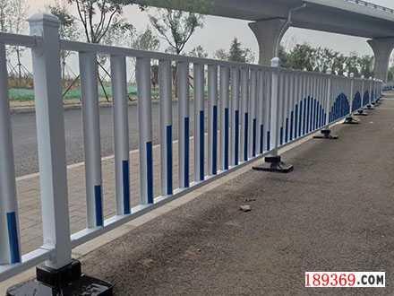 道路护栏生产厂家