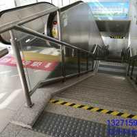 地铁玻璃护栏,郑州地铁玻璃栏杆,玻璃护栏安装厂家