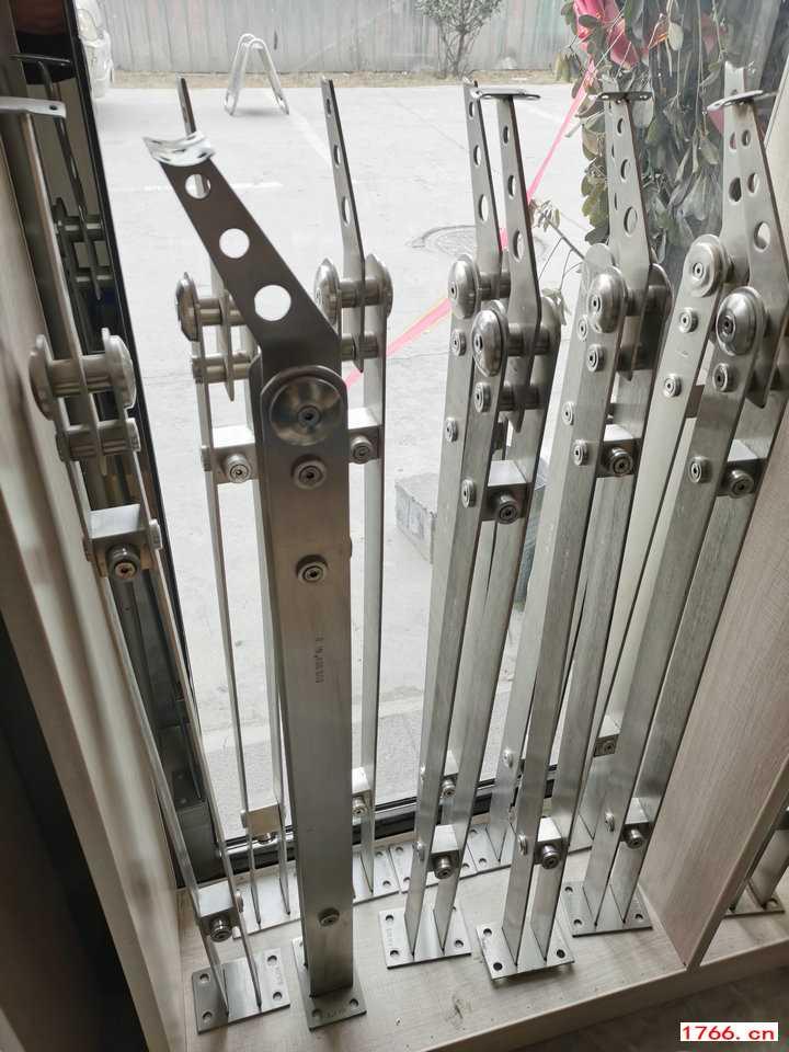 304不锈钢楼梯立柱