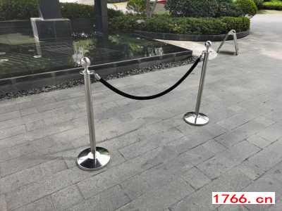 郑州不锈钢隔离立柱