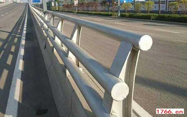 郑州桥梁防撞护栏安装