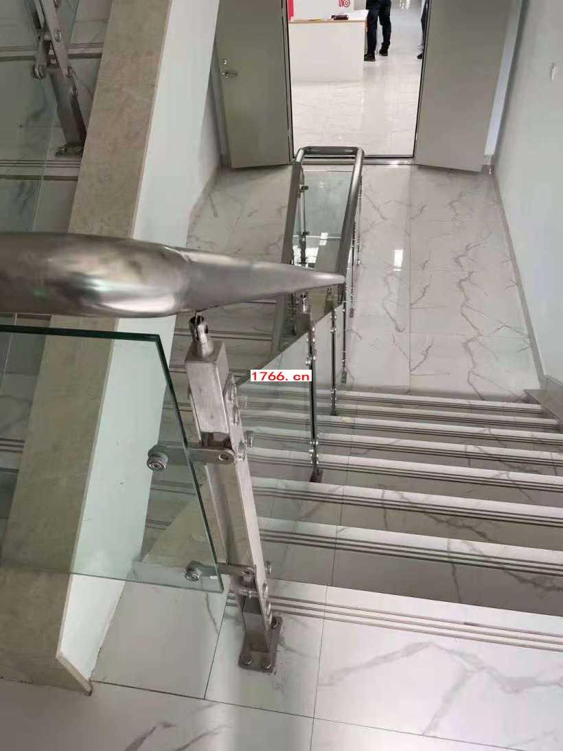 郑州玻璃护栏安装