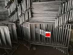 郑州不锈钢铁马处理一批,约700个