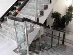 郑州不锈钢玻璃护栏安装公司