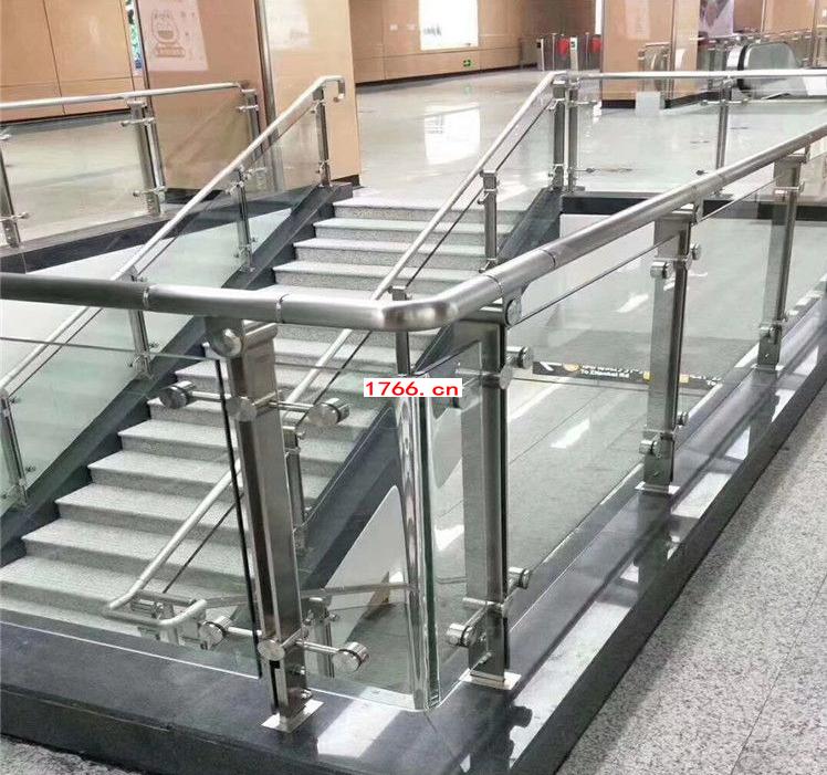 钢化玻璃护栏安装