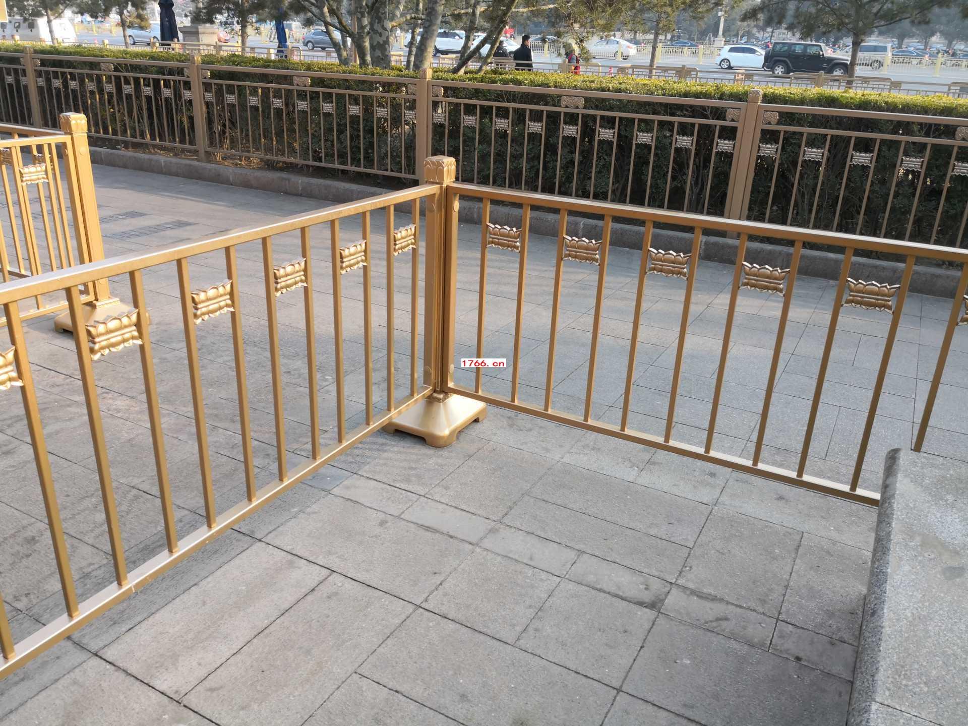 黄色京式护栏