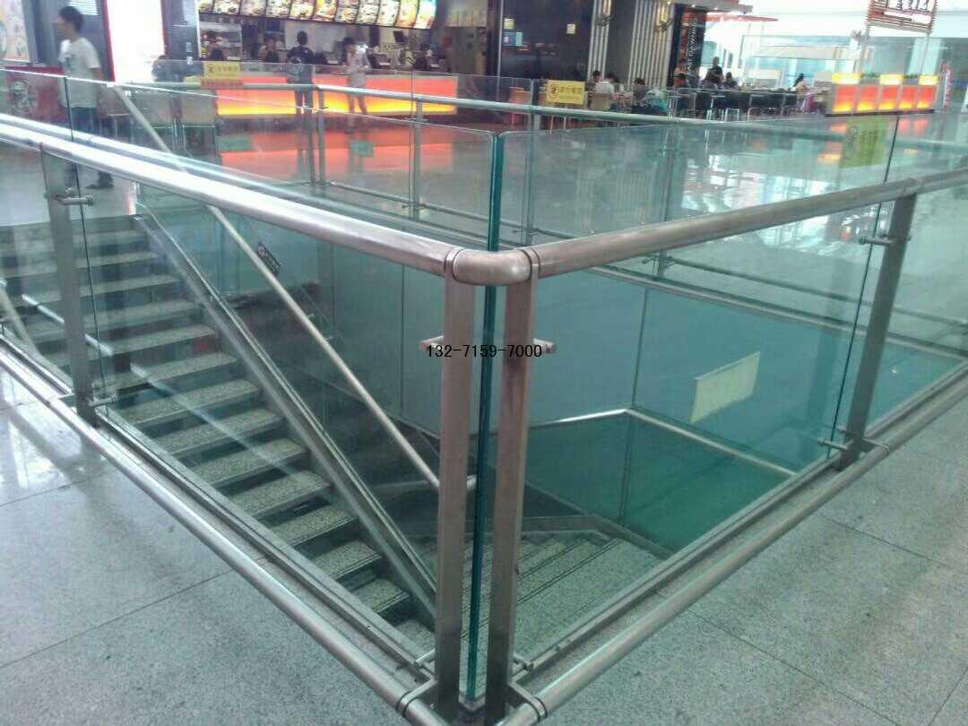 机场玻璃护栏