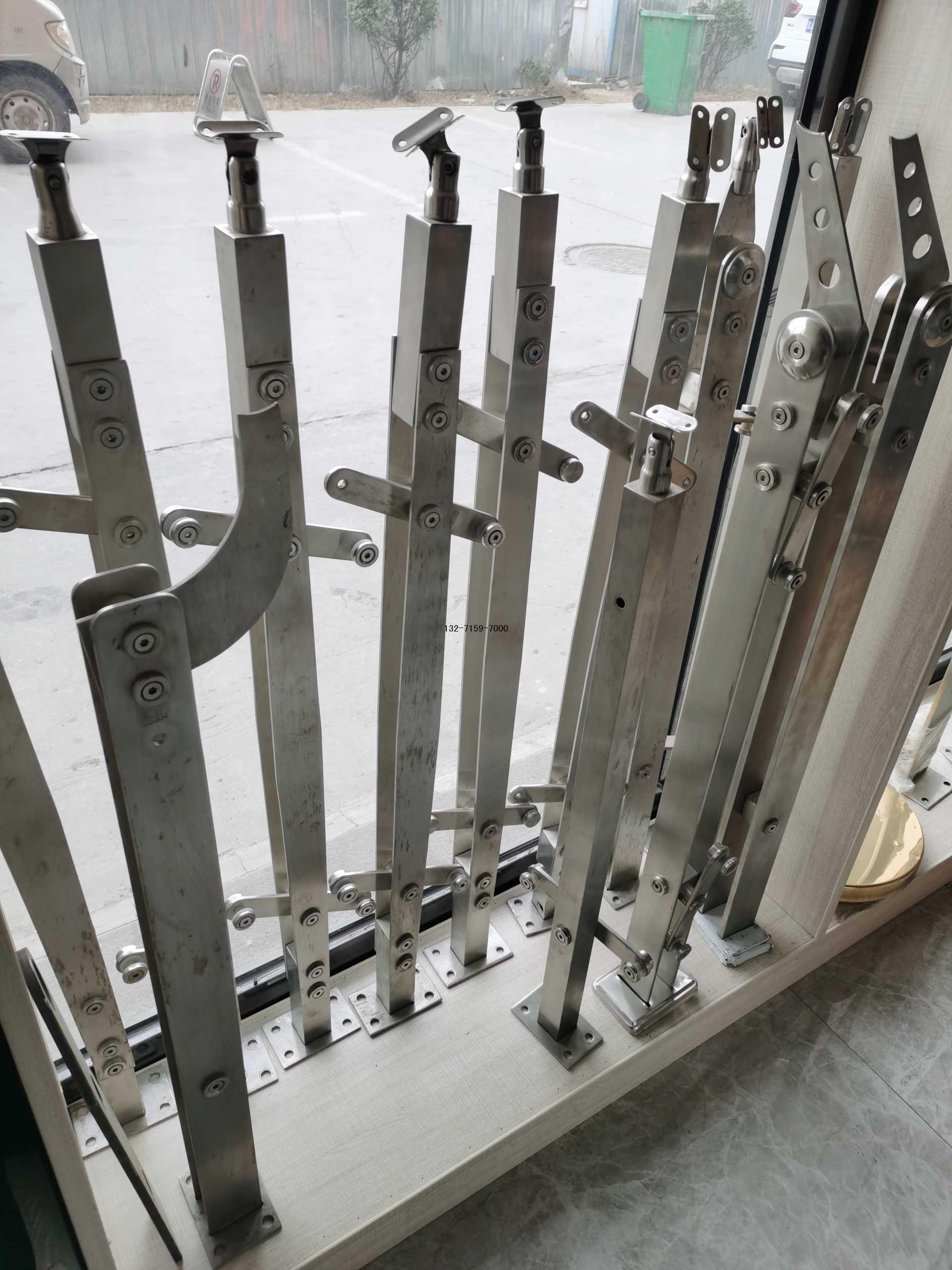 玻璃护栏立柱配件