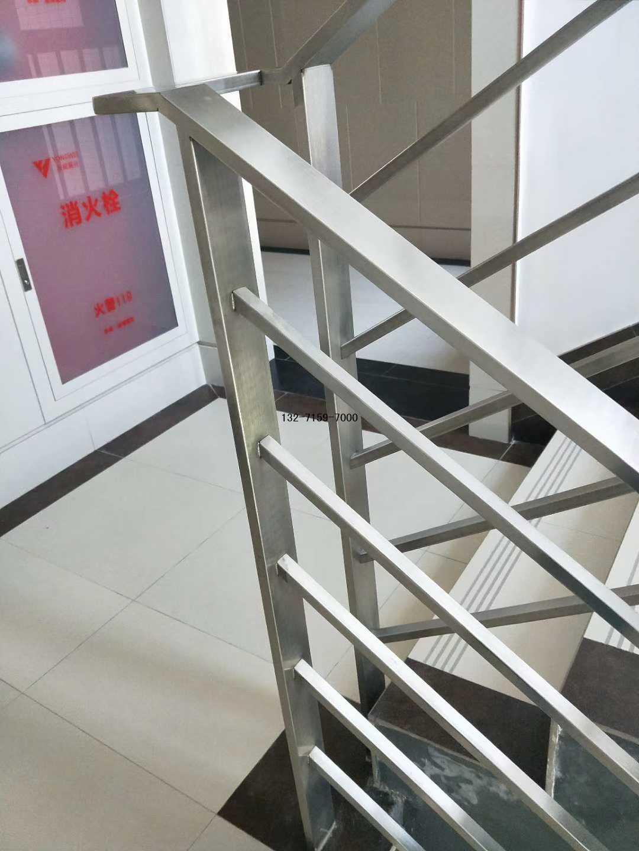 郑州304不锈钢楼梯护栏